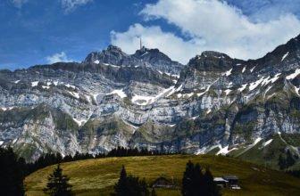 Saentis_Gipfel_mit_Alp